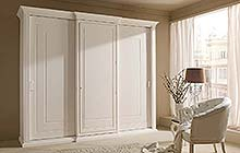 wardrobe with three sliding doors with straight central hinged door: semi-gloss lacquered white finish