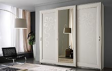 sliding 3-door wardrobe Antique white finish with stucco decoration and central mirror
