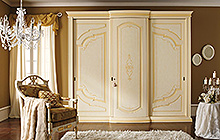 sliding 3-door wardrobe Pink Florentine  art finish with fresco and ochre colour wash