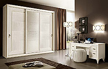 DEMETRA wardrobe with 3 sliding doors / contod  console table / PFTOD pouffe